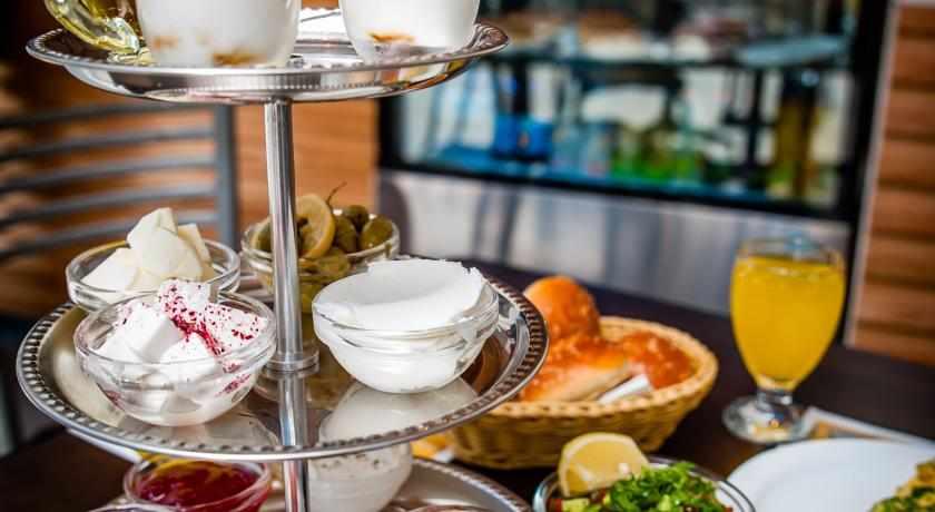 ארוחת בוקר מלון ארט גלרי חיפה