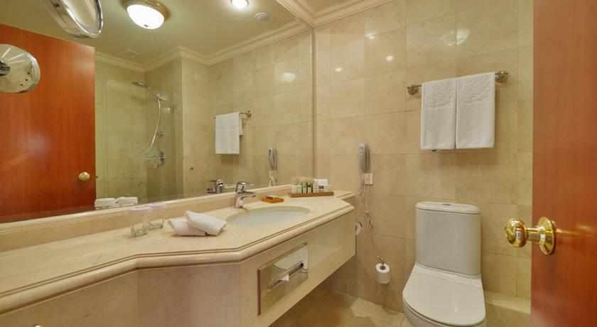 אמבטיה מלון יערות הכרמל