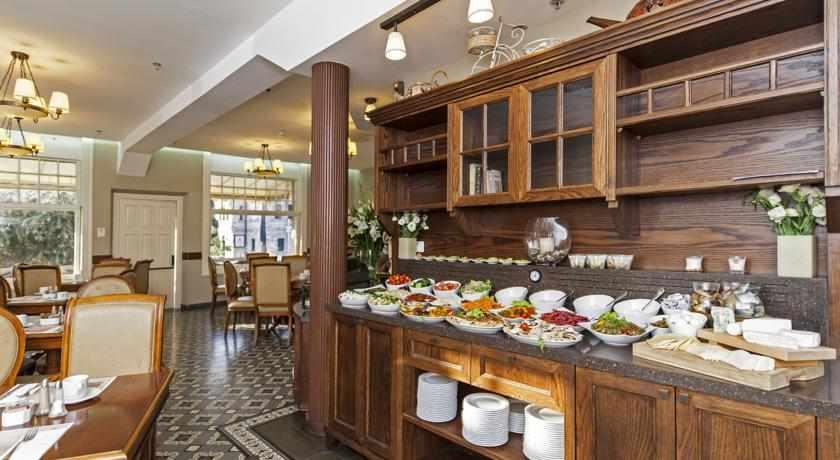 ארוחת בוקר מלון קולוני חיפה