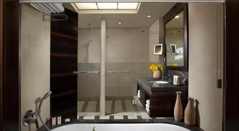 חדר אמבטיה דן כרמל חיפה
