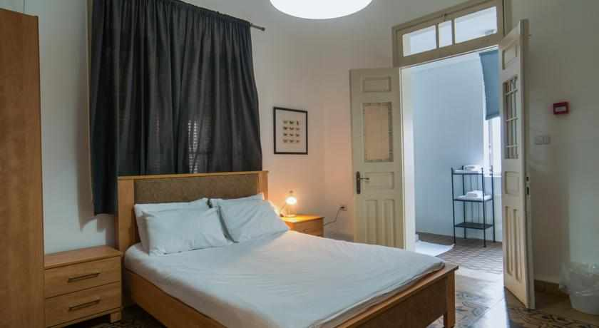 מיטה זוגית מלון עדן חיפה