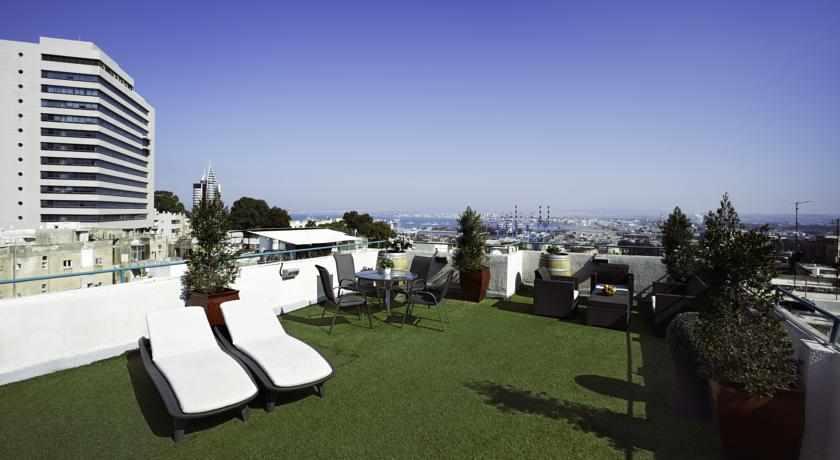 מרפסת גג מלון לואי בחיפה