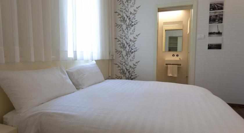 מיטה זוגית מלון טמפלרס חיפה