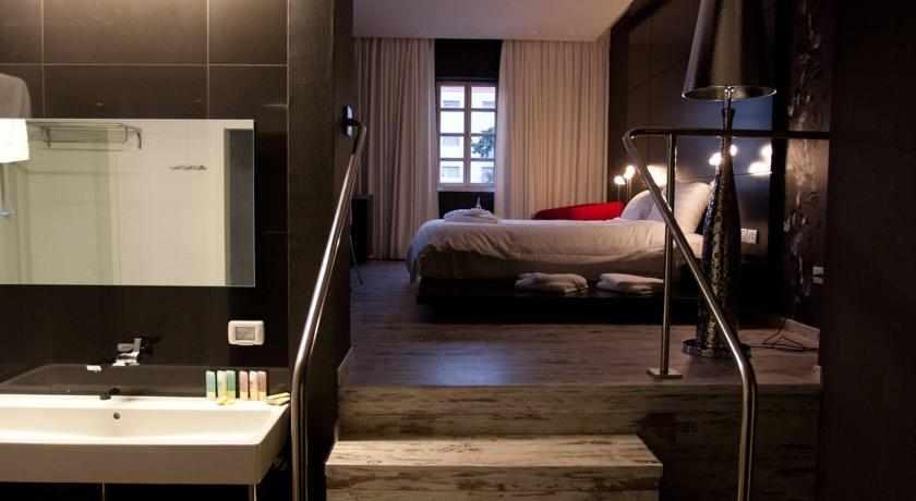 חדר משודרג מלון טמפלרס חיפה