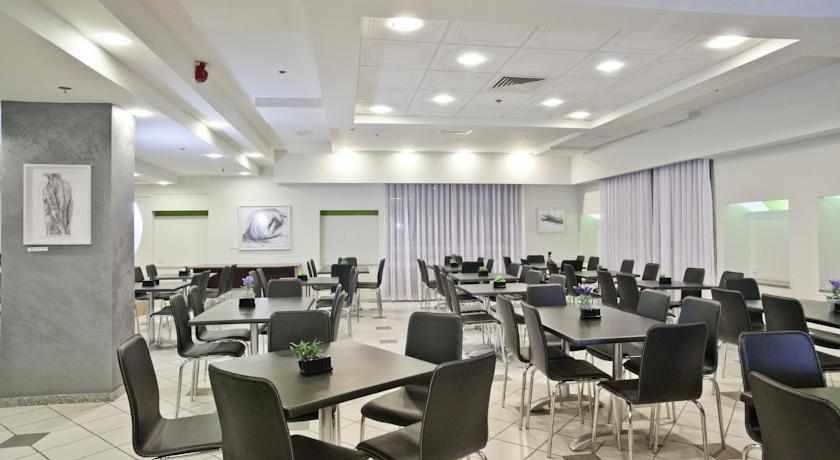 חדר אוכל מלון תיאודור בחיפה